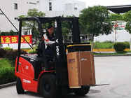 2.5 Ton Electric Forklift Truck With 3 Stage 4.5m Container Mast Compact Structure