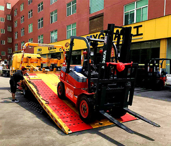 Energy Saving Diesel Forklift Truck 360mm/S Lifting Speed With 150mm Fork Width